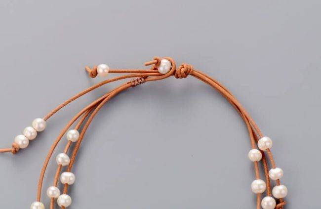 Collier en perles naturelles