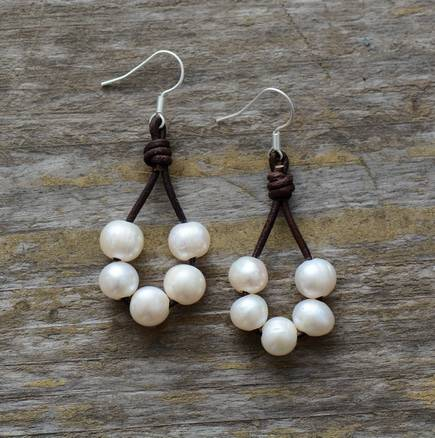 Boucles d'Oreilles Pierre Naturelle «Mini-lune» Bijoux pierre naturelle Boucles d'oreilles pierre naturelle