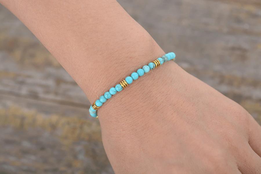 Bracelet minimaliste en Turquoise https://www.chakras-shop.com
