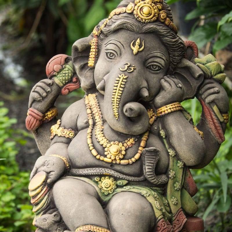 Statuette de Ganesh en céramique https://www.chakras-shop.com