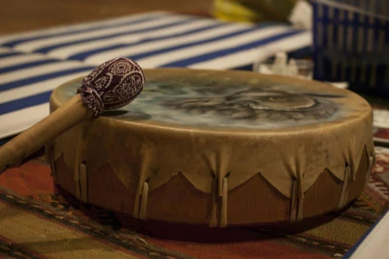 Tambour chamanique utilisé lors de cérémonies spéciales