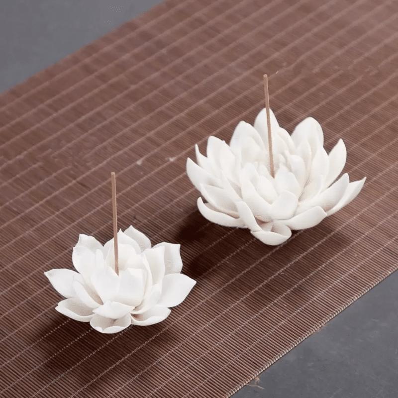 Porte encens fleur de lotus blanc