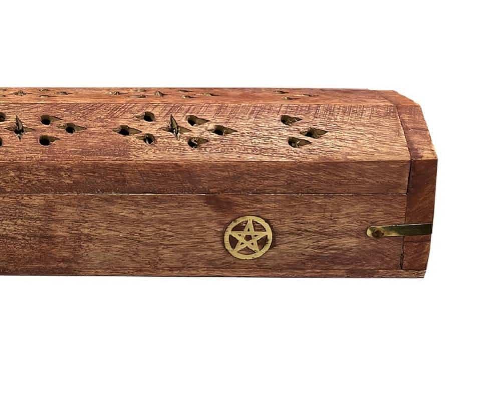 Coffre en bois porte encens Pentacle https://www.chakras-shop.com