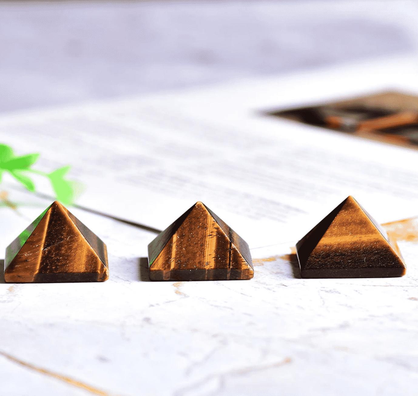 Pyramide de protection en œil de tigre