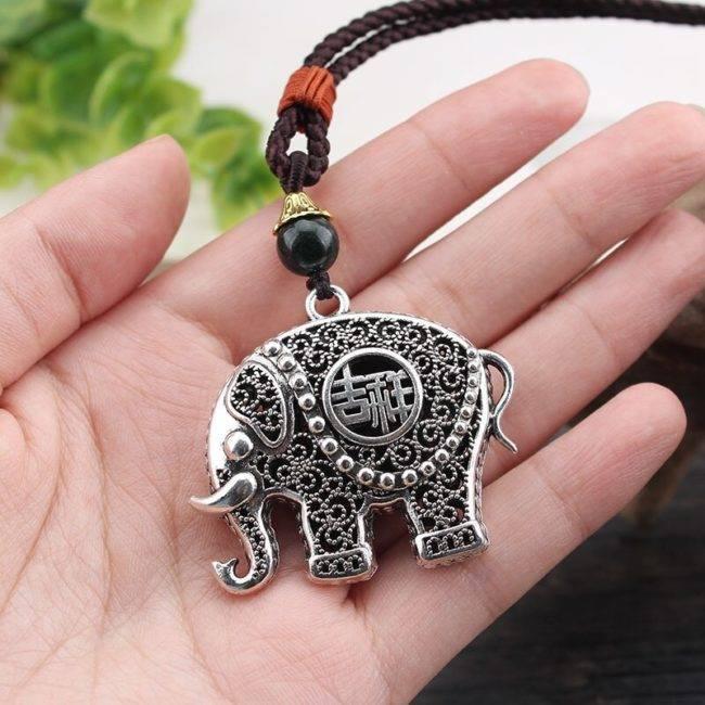 National Fengfu Small Elephant God Autumn Winter Long Sweater Chain Men and Women Versatile Simple Accessories Necklace Non classé